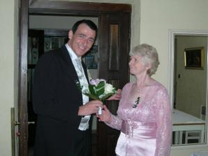 zenich s maminkou/groom with his mum