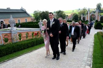 walking up to the chateau