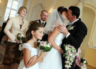 you may kiss the bride!