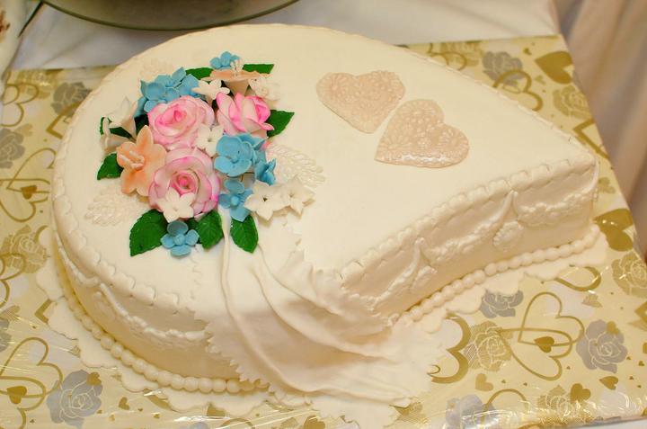 Svadobná torta a zákusky - Obrázok č. 1