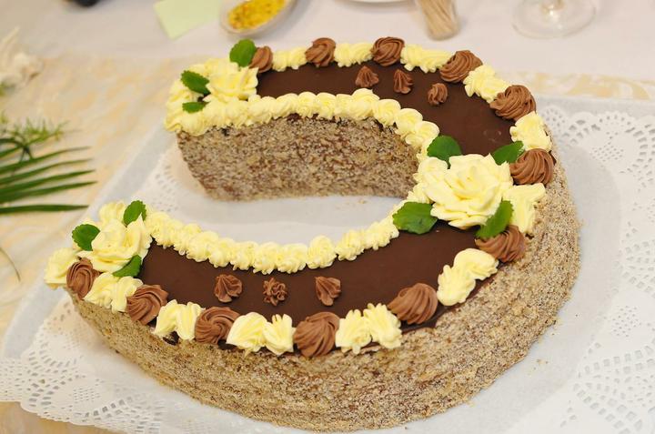 Svadobná torta a zákusky - Obrázok č. 4