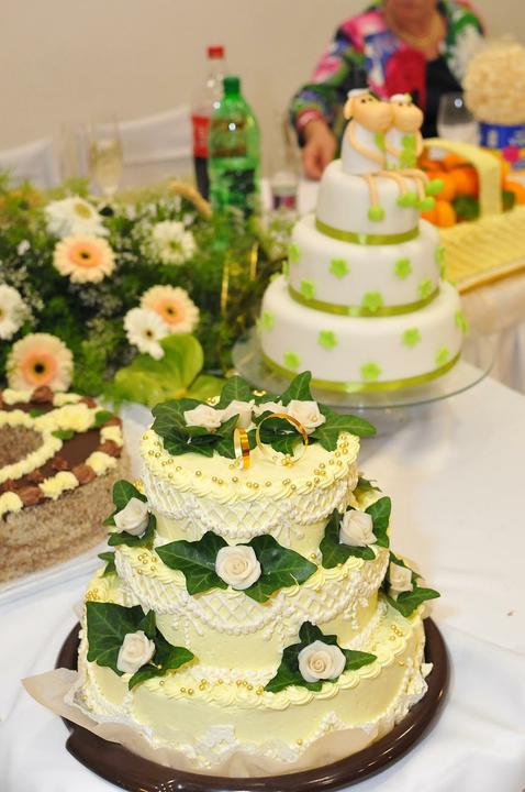 Svadobná torta a zákusky - Obrázok č. 7