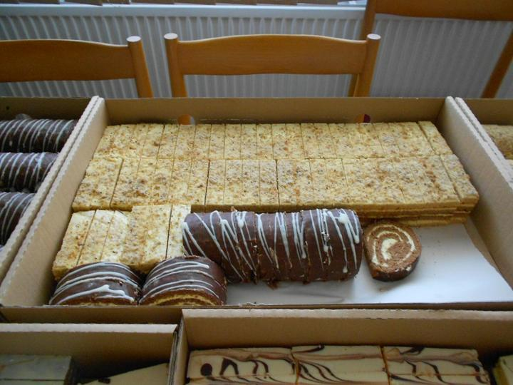 Svadobná torta a zákusky - Obrázok č. 17
