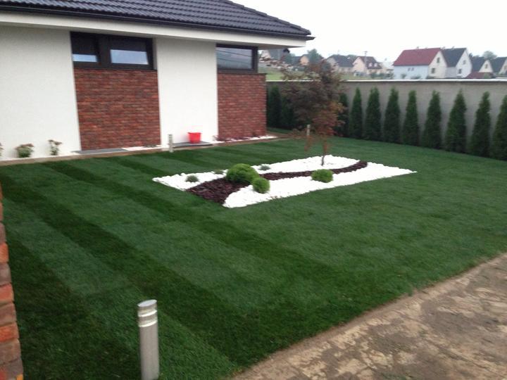 Konečne záhrada hotová - Obrázok č. 1