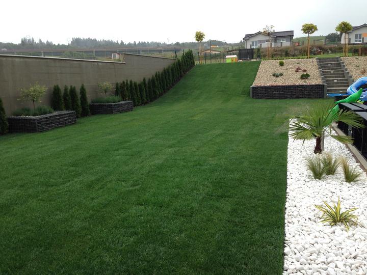 Konečne záhrada hotová - Obrázok č. 2