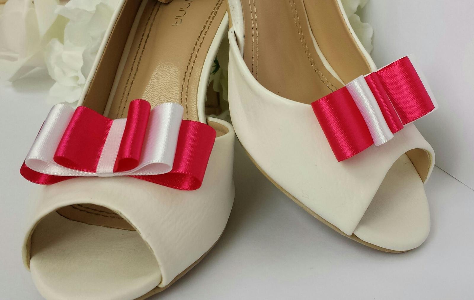 Klipy na boty barva a tvar dle přání - Obrázek č. 45