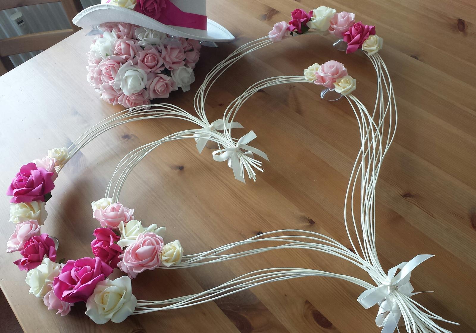Svatební dekorace na auta - Srdcová záležitost pro nevěstu Verunku;-)