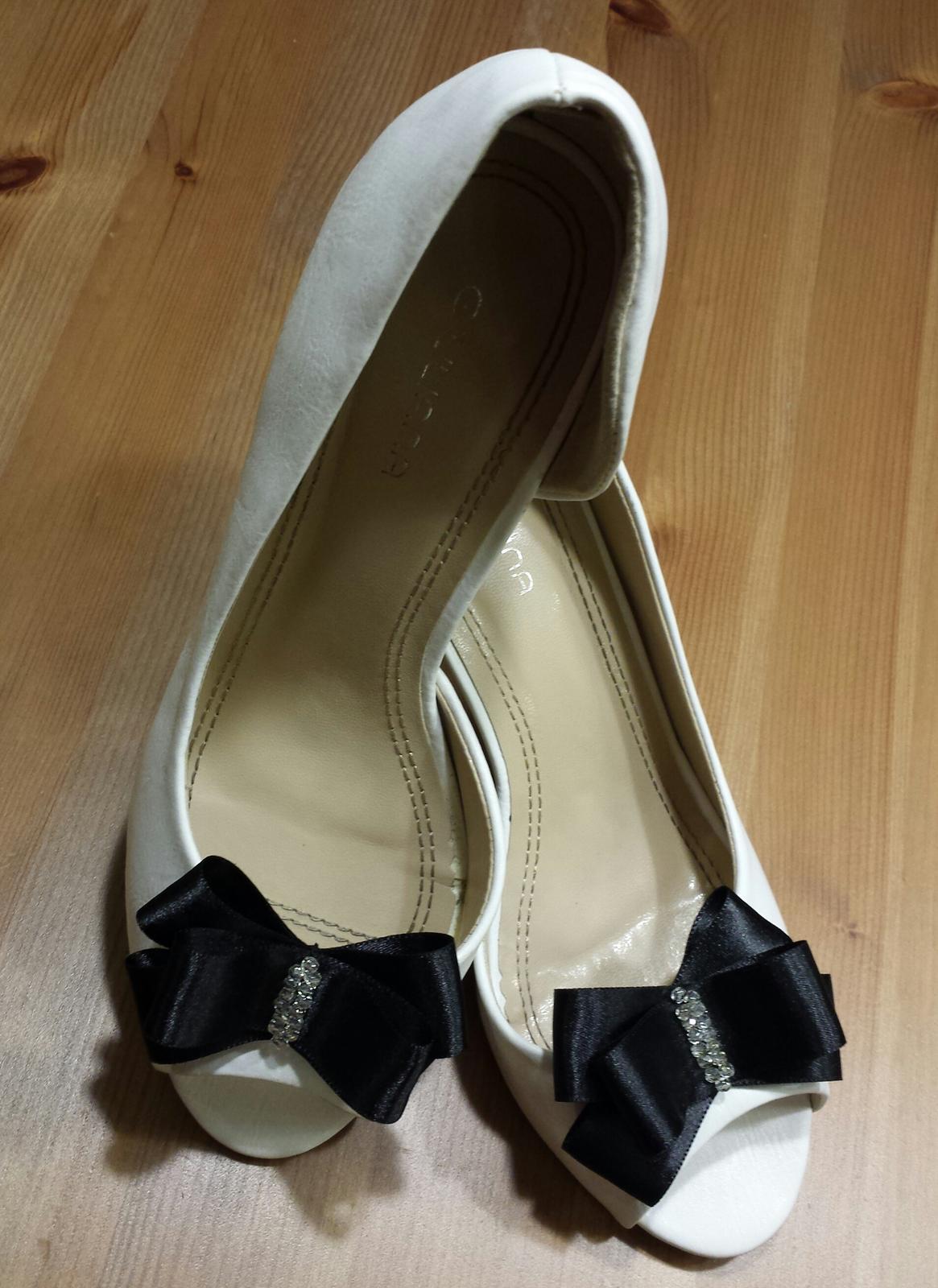 Klipy na boty barva a tvar dle přání - Černé na přání