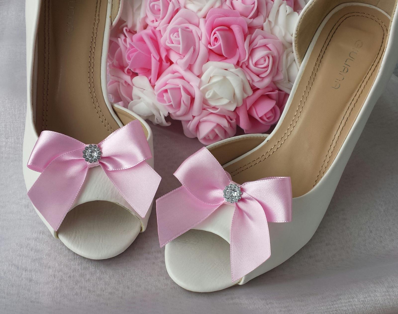 Klipy na boty barva a tvar dle přání - Obrázek č. 80