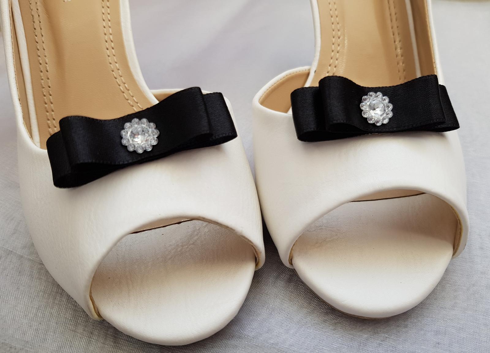 Klipy na boty barva a tvar dle přání - Obrázek č. 89