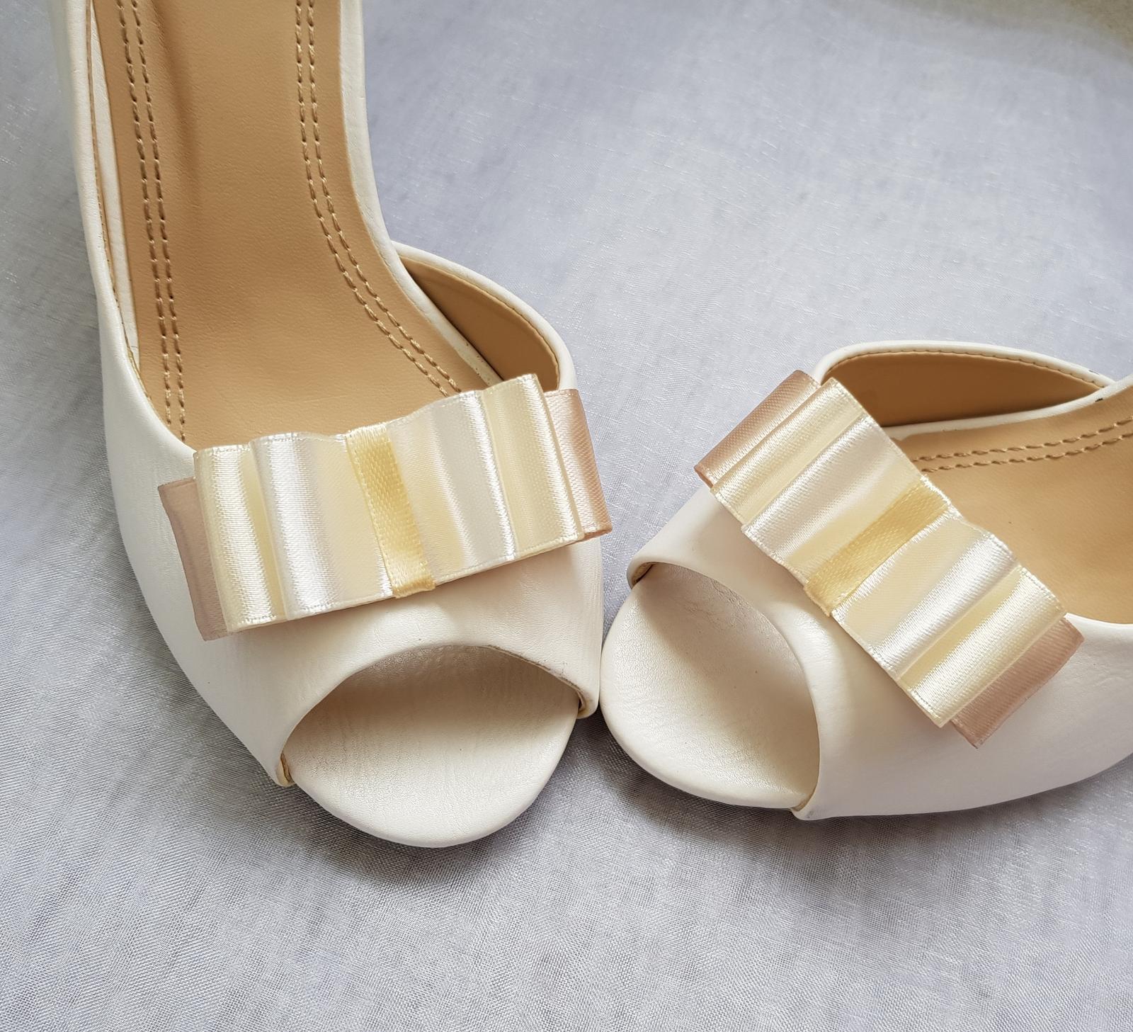 Klipy na boty barva a tvar dle přání - Obrázek č. 93