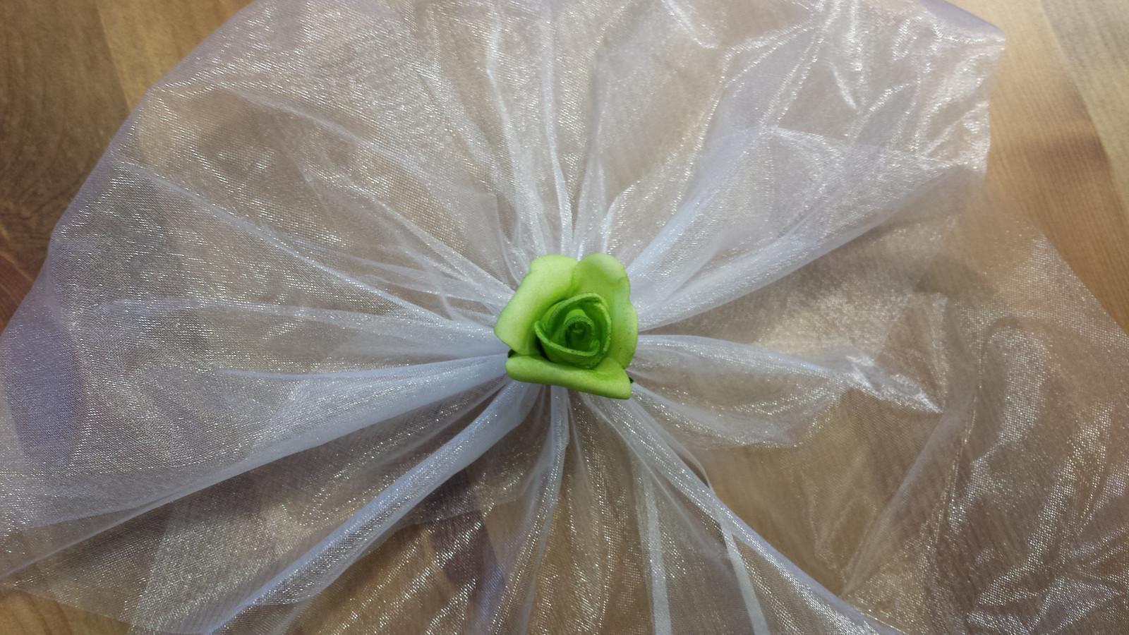 Bílá mašle na zrcátka/kliky zelená květinka vel.M - Obrázek č. 1
