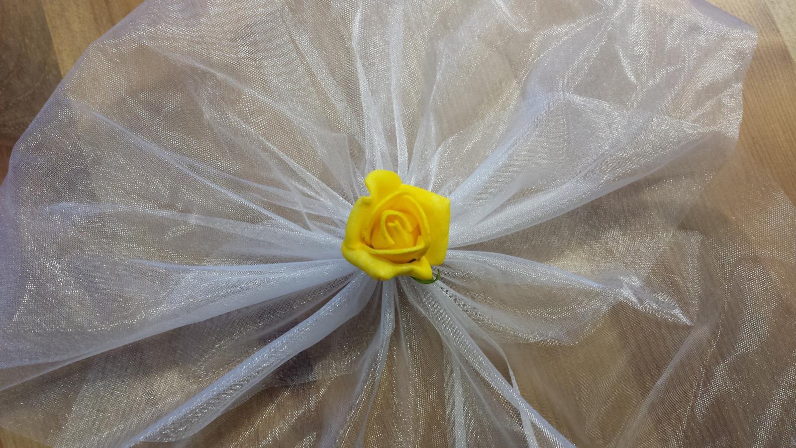 Bílá mašle na zrcátka/kliky žlutá květinka vel.M - Obrázek č. 1