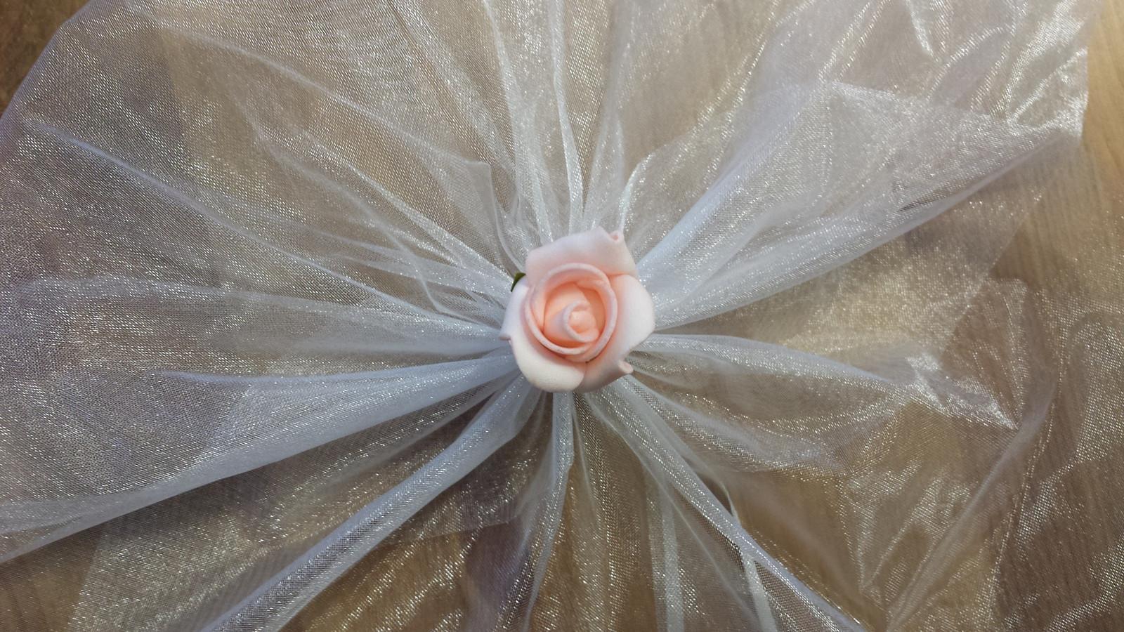 Bílá mašle na zrcátka/kliky ivory květinka vel. M - Obrázek č. 4