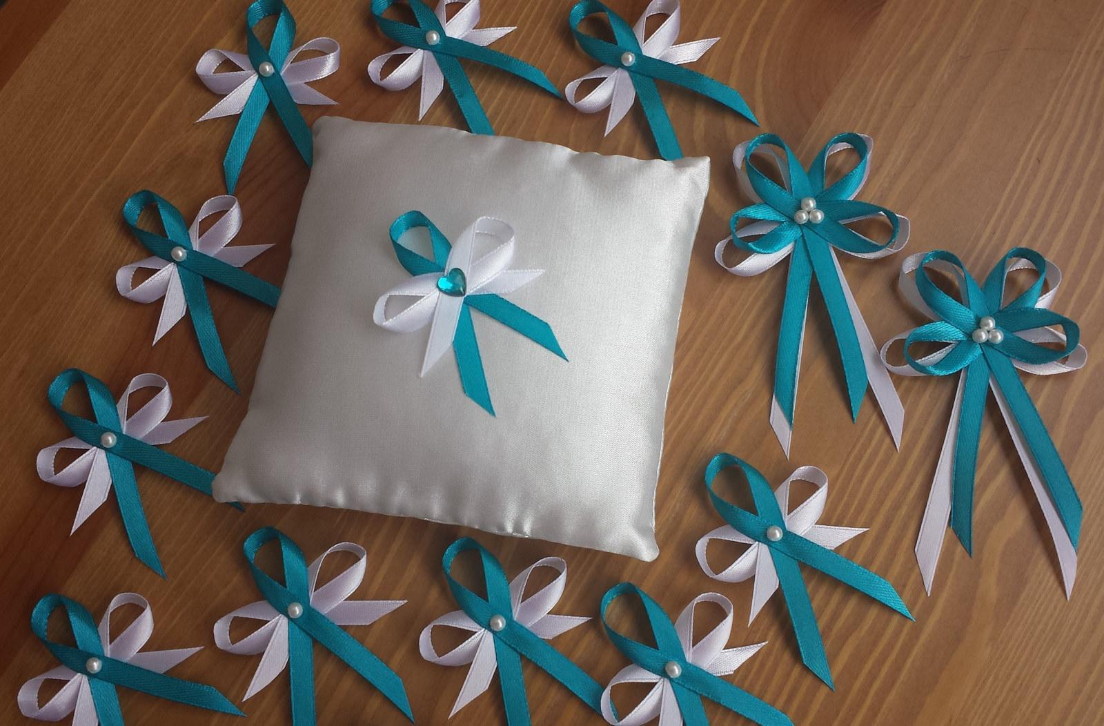 Tyrkysové svatební vývazky s perličkou - Obrázek č. 1