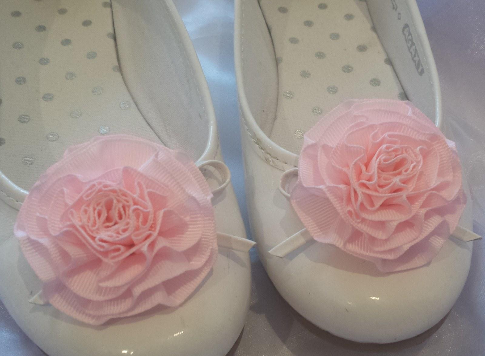 Klipy na boty pro nevěstu s růžovou květinkou - Obrázek č. 1