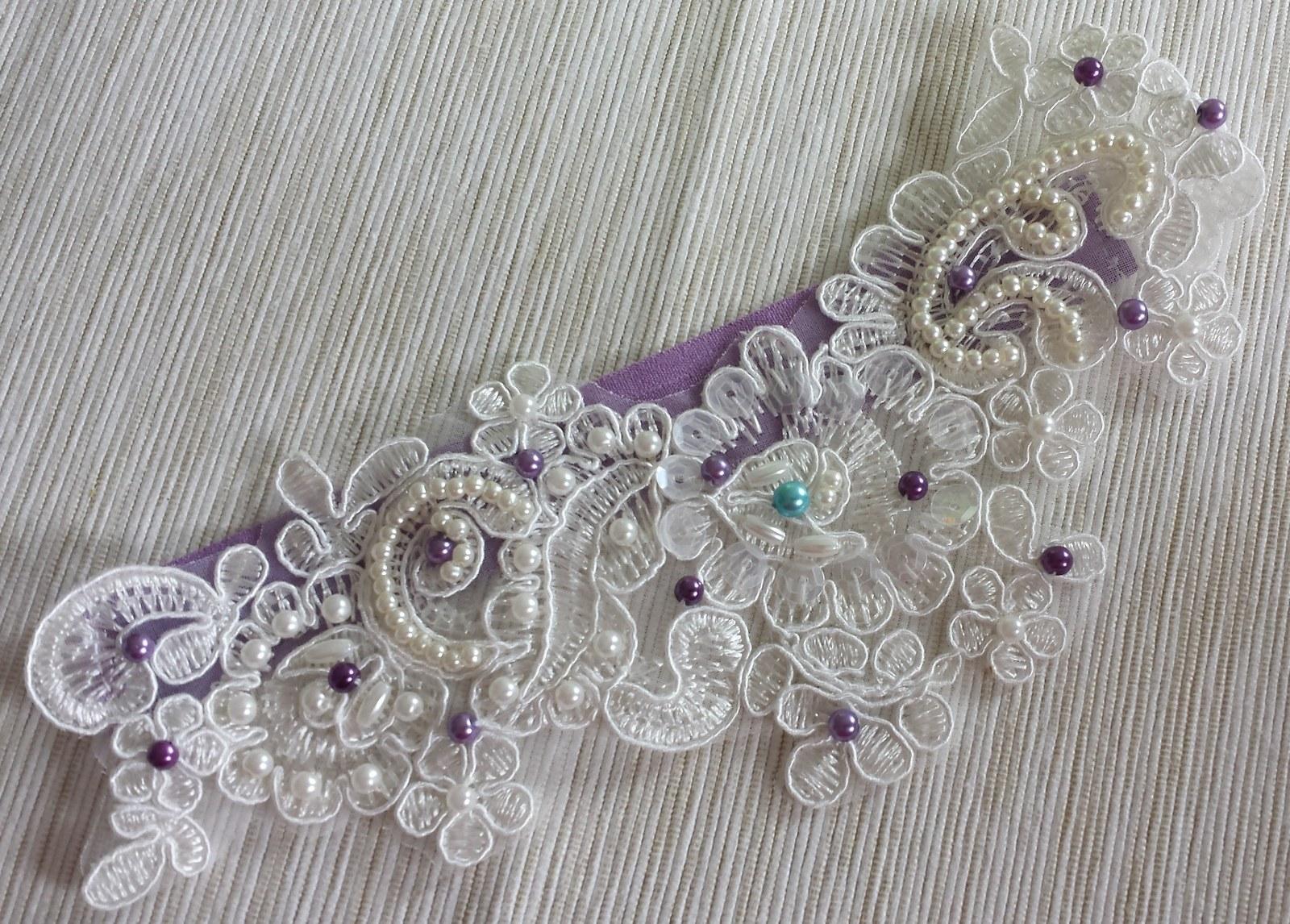 Krajkový luxusní ivory-fialový podvazek  - Obrázek č. 1
