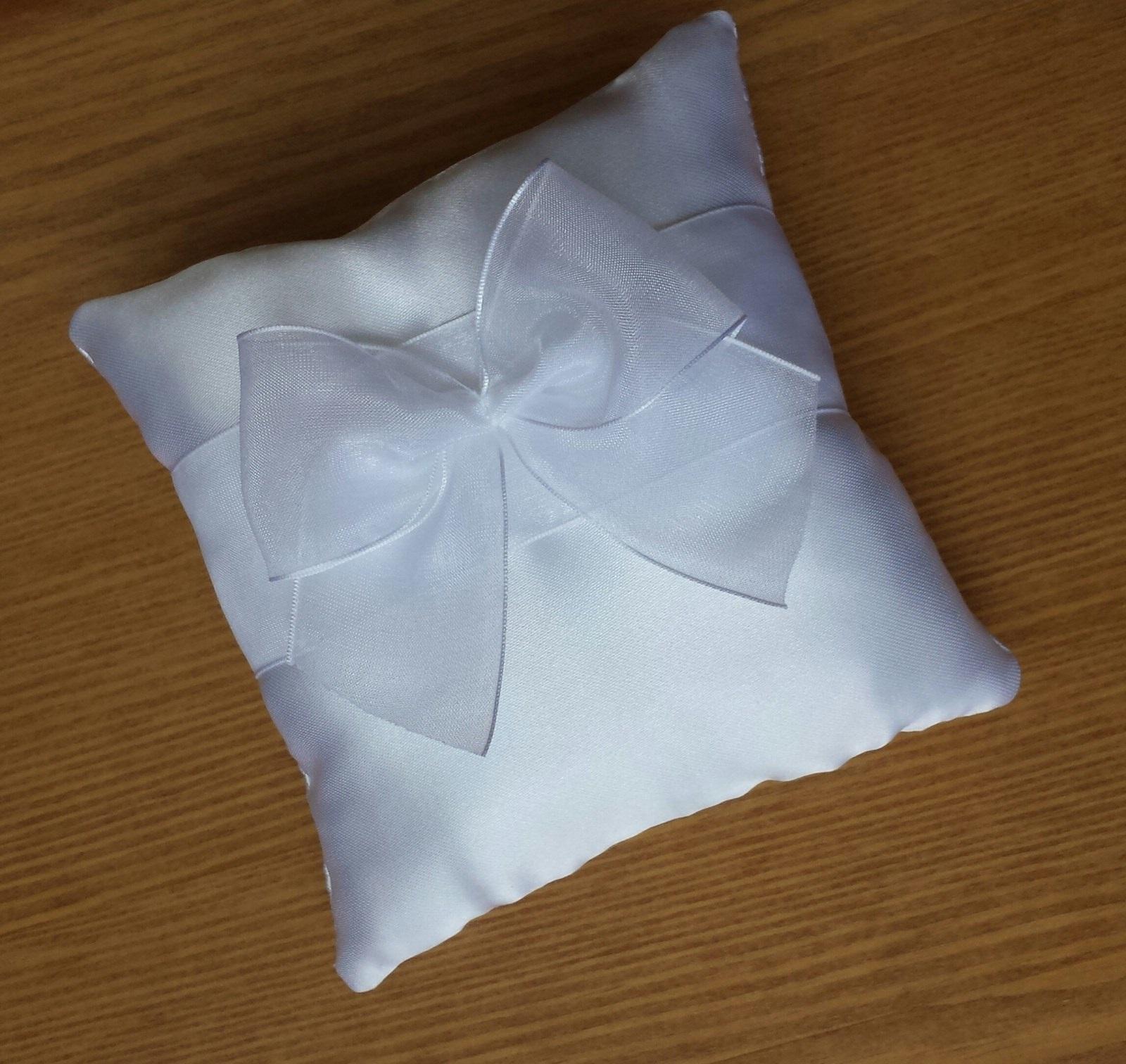 Sněhově bílé svatební vývazky s perlickou - Obrázek č. 3