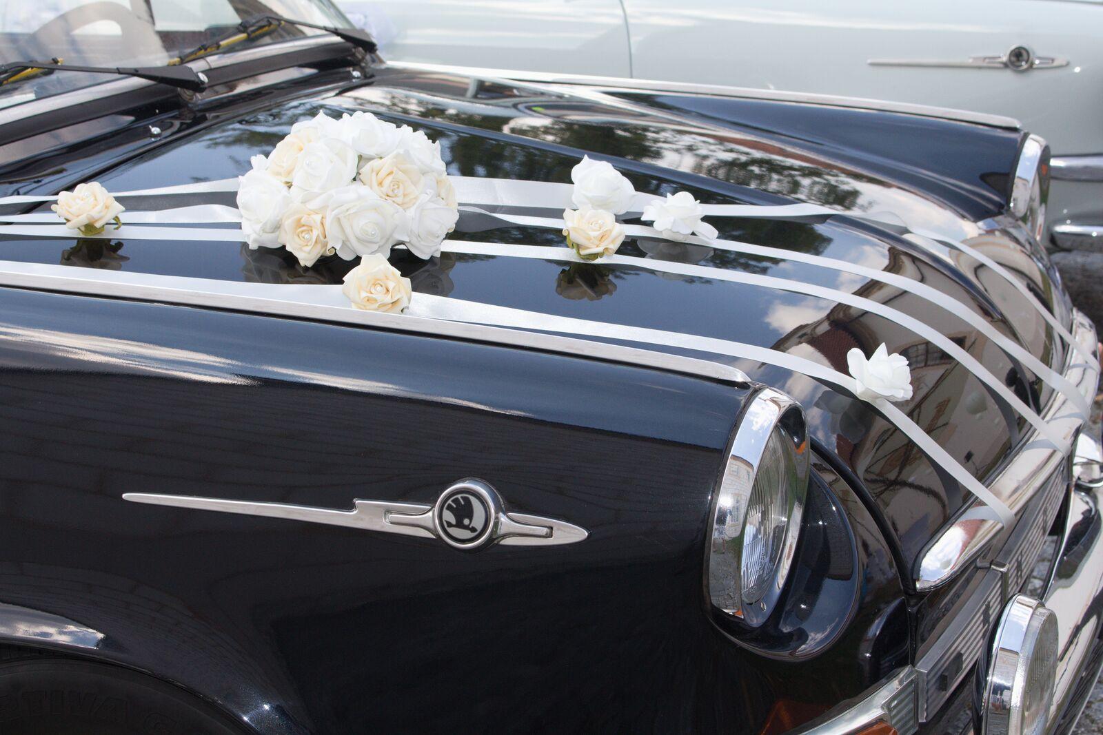 Bílá mašle na zrcátka/kliky aut s ivory mašličkou - Obrázek č. 2
