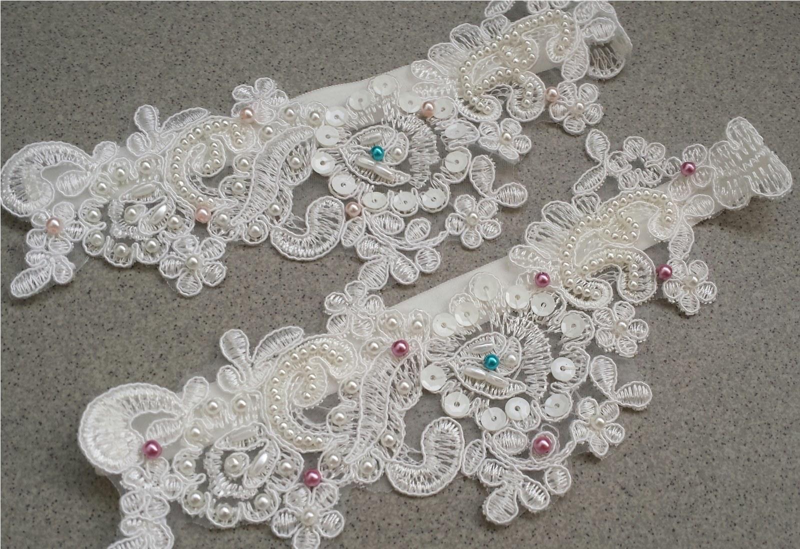 Krajkový luxusní ivory podvazek sv. růžové perly - Obrázek č. 4