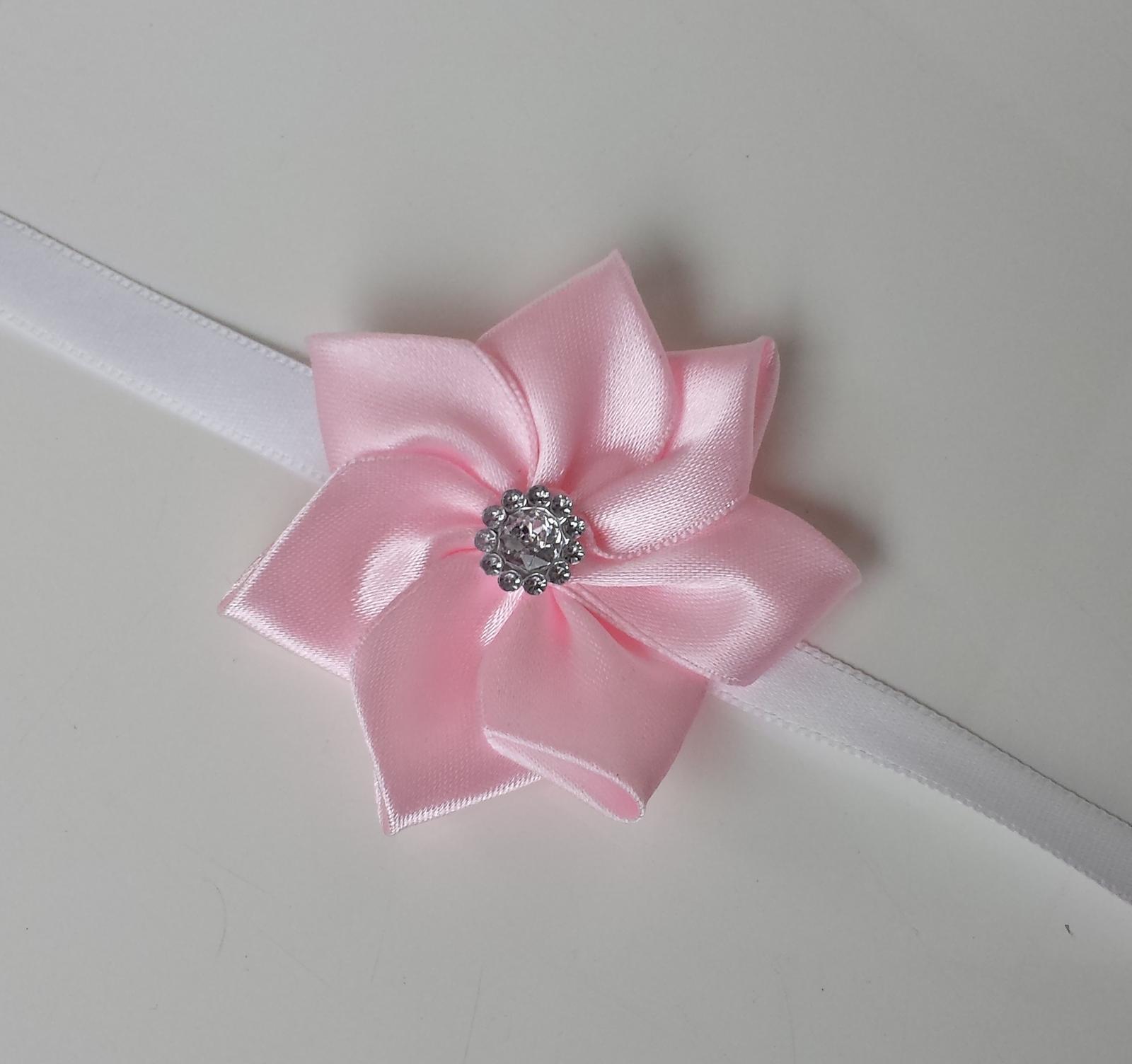 Růžový Kanzashi náramek pro malou/velkou družičku - Obrázek č. 1