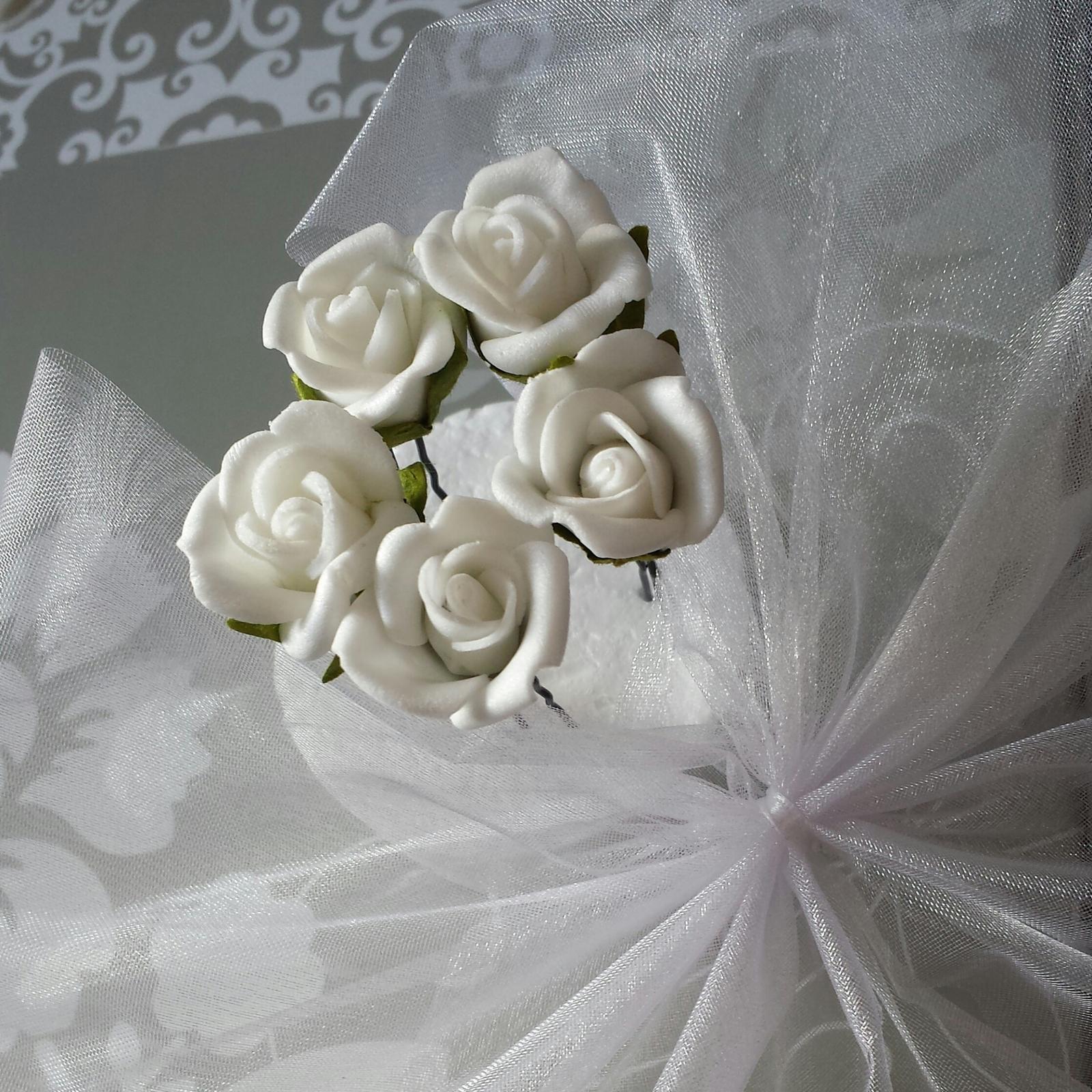Vlásenky s bílým/ivory či jiným barevným kvítkem - Obrázek č. 1