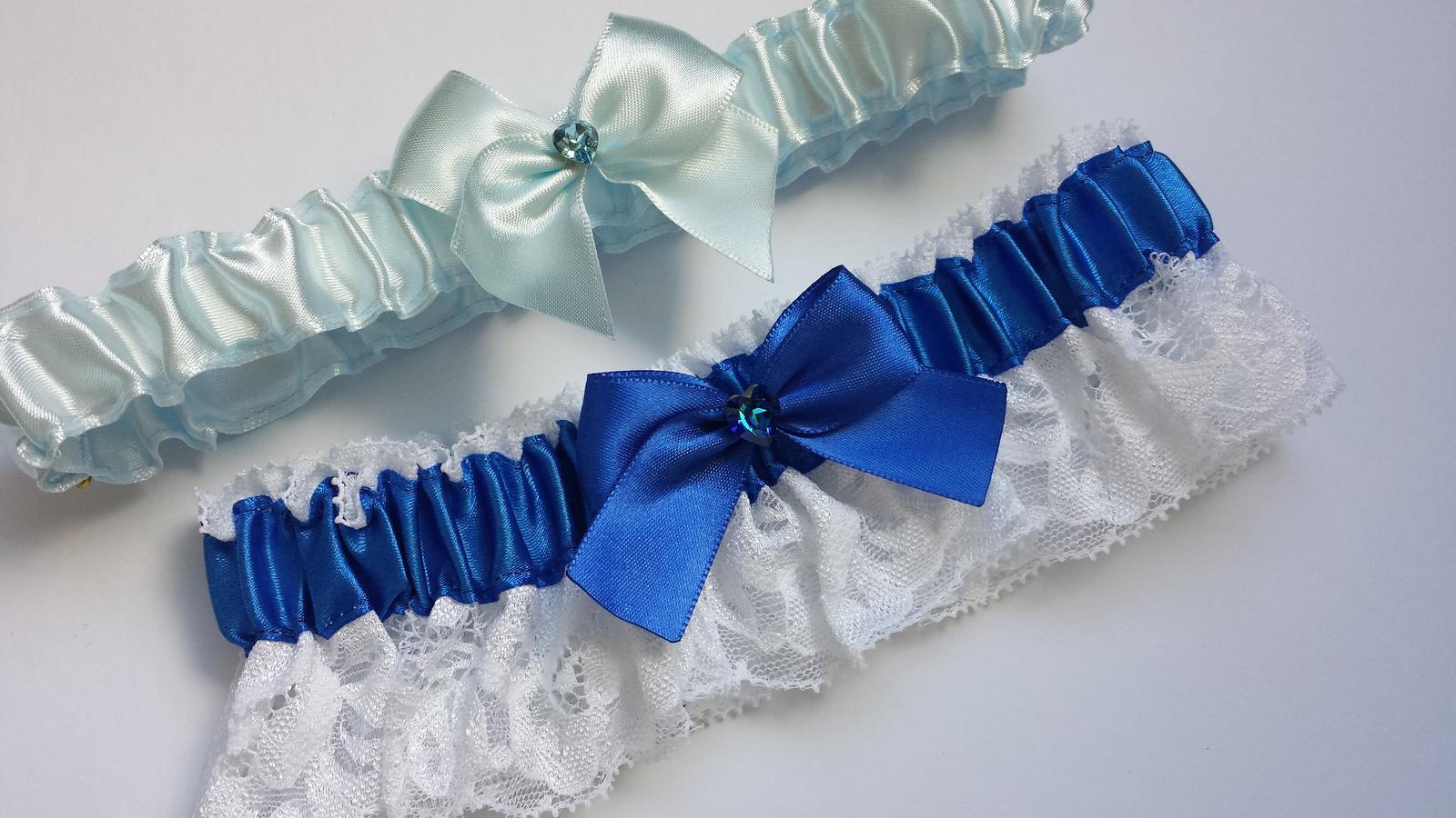 Krajkový tmavě modrý podvazek s mašličkou - Obrázek č. 4