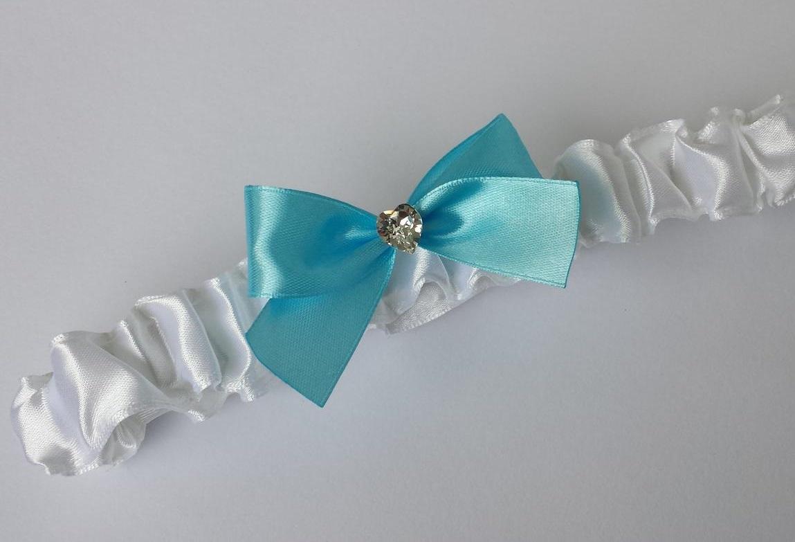 Bílý SW podvazek - modrá mašle - Obrázek č. 1