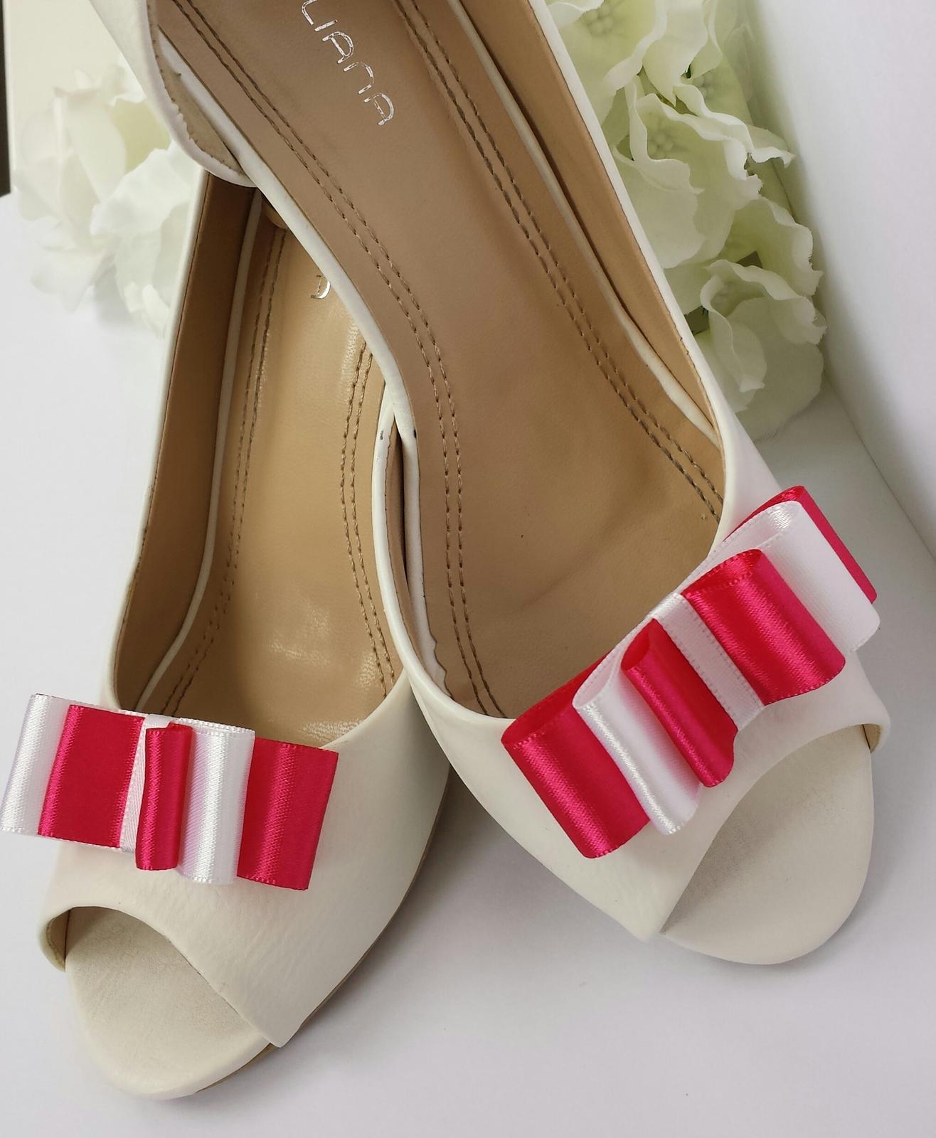 Klipy na boty odstín dle přání - Obrázek č. 1