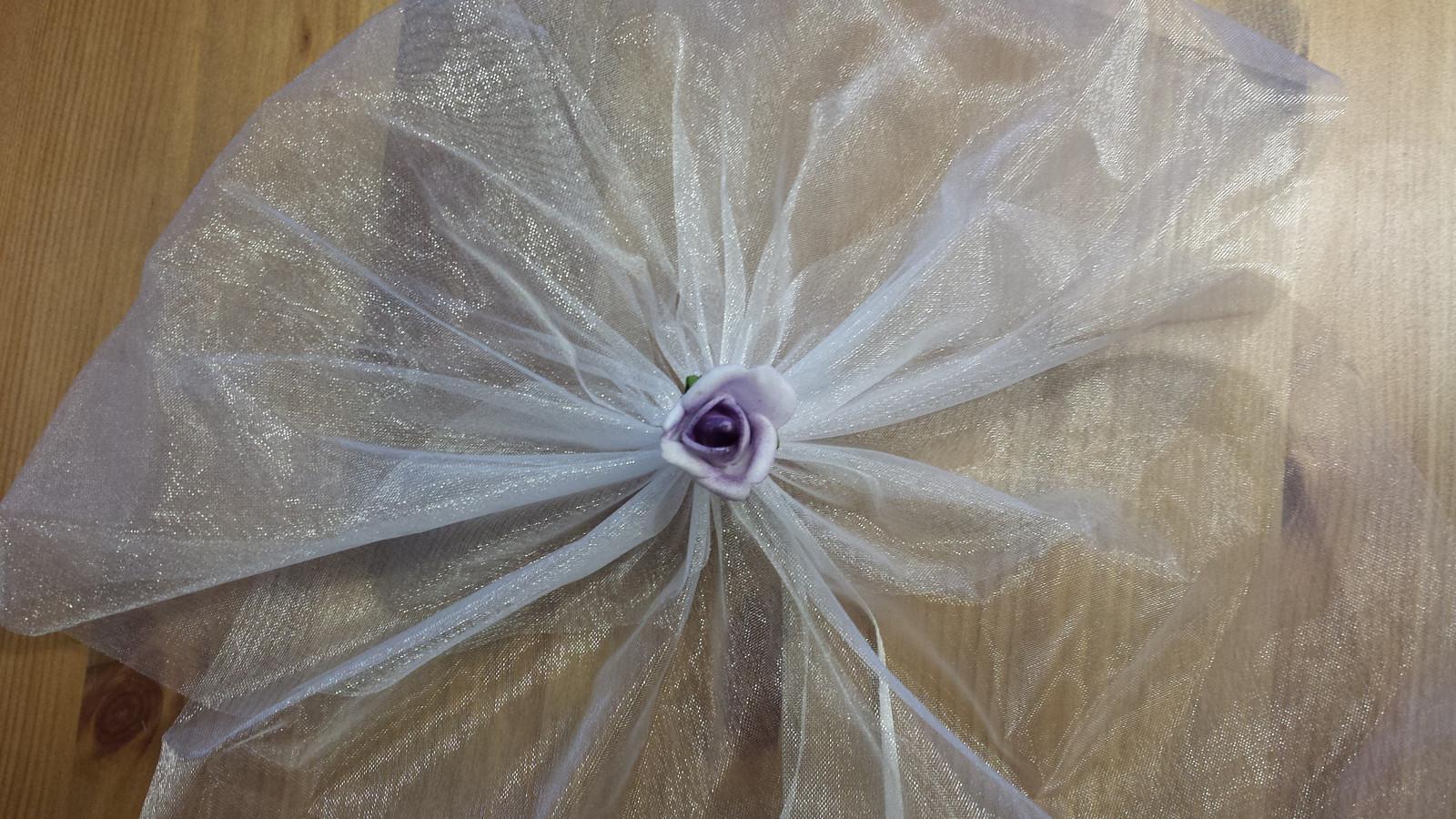Bílá mašle na zrcátka/kliky fialová květinka vel.S - Obrázek č. 1