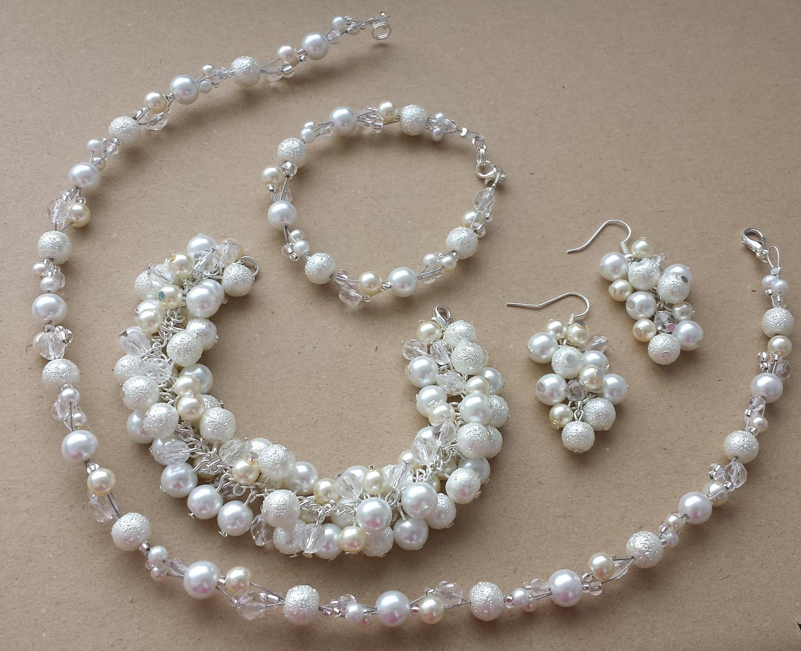 Bílé naušnice - hrozny s barvou vaší svatby - Obrázek č. 2