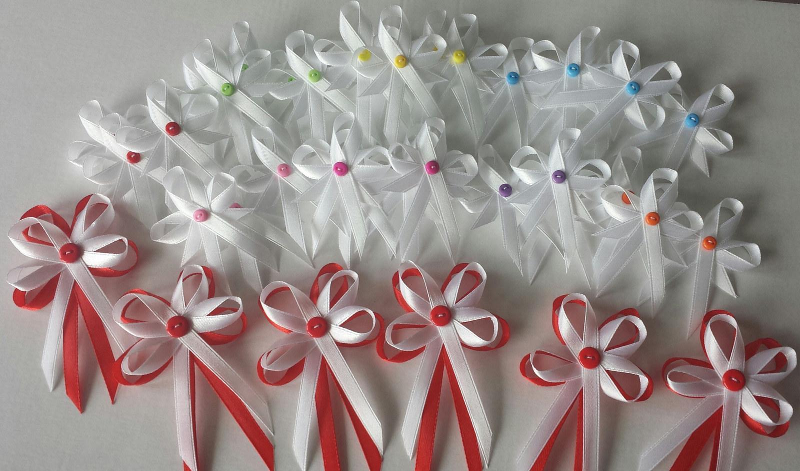 Knoflíkové bílé vývazky- barevné knoflíčky - Obrázek č. 1