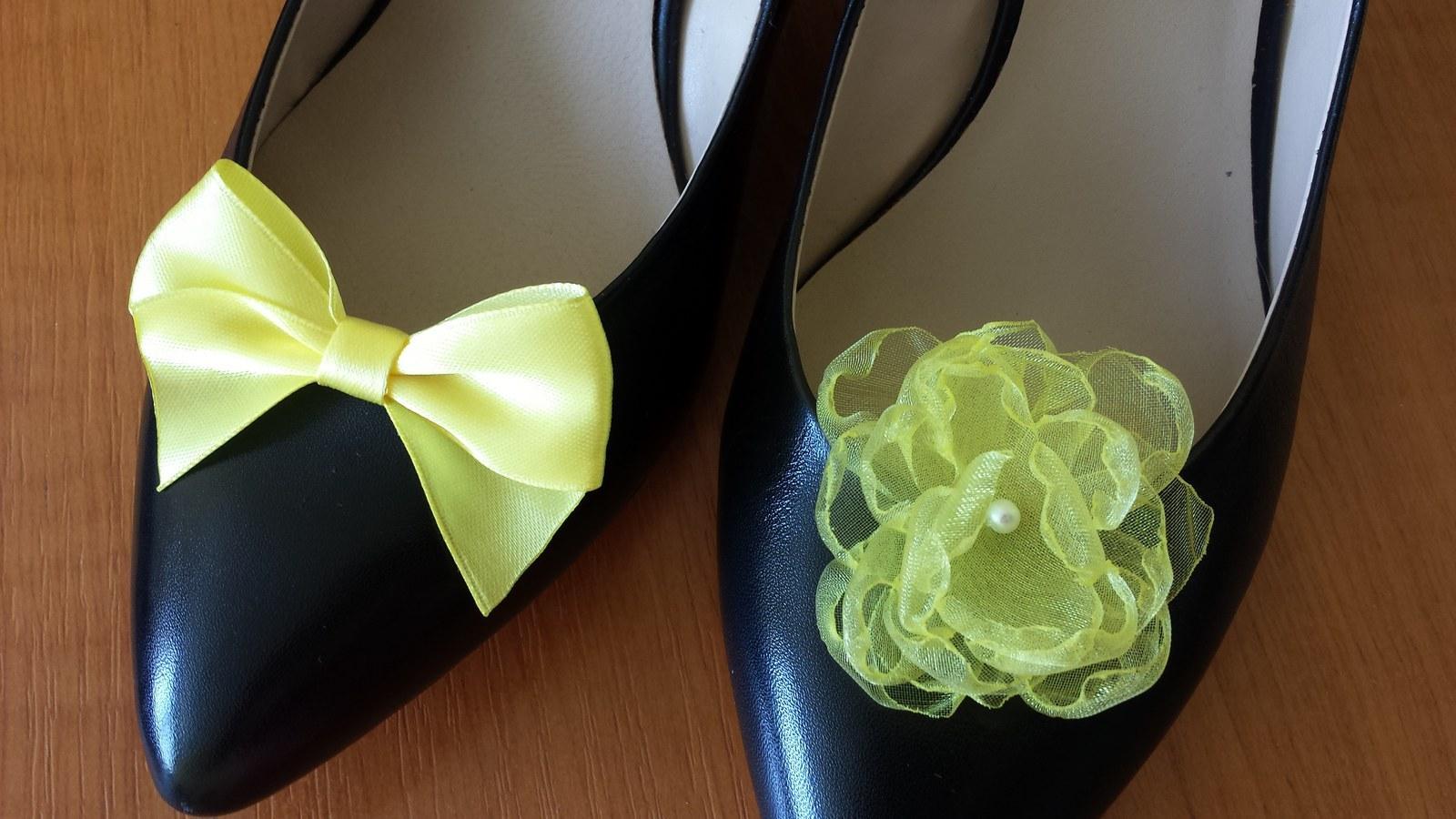 Klipy na boty pro nevěstu se žlutou mašličkou - Obrázek č. 1