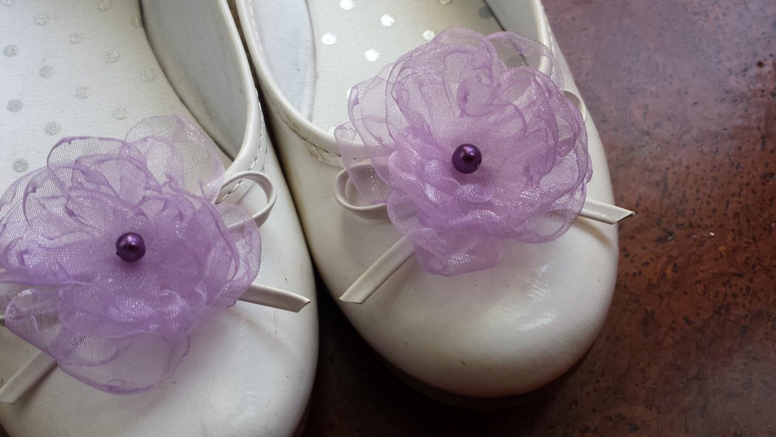 Klipy na boty pro nevěstu - lila květ - Obrázek č. 1