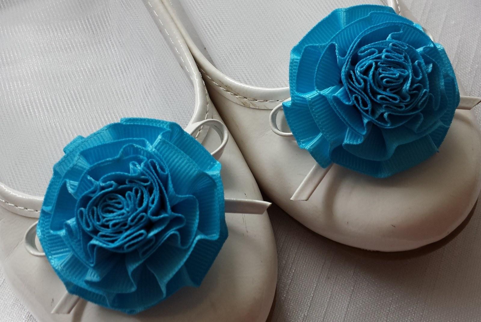 Klipy na boty pro nevěstu s tyrkysovou květinkou - Obrázek č. 1