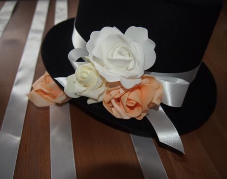 Cylindr na svatební auto -  meruňková+bílá+ivory - Obrázek č. 1