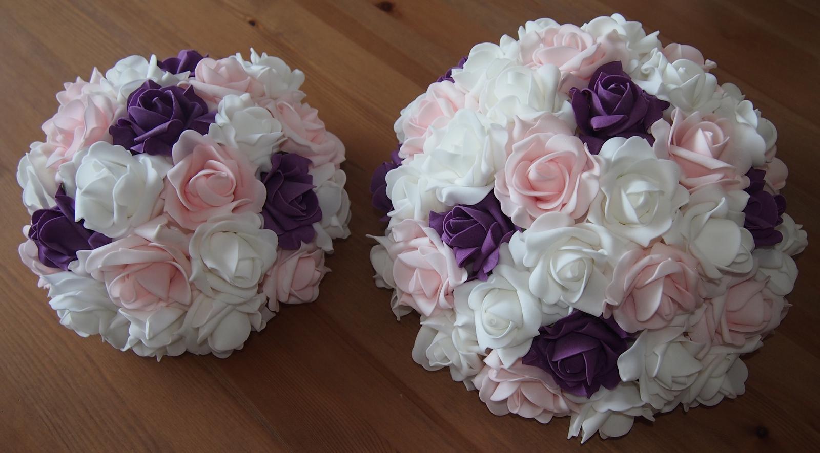 Buket na svatební auto bílá+růžová+fialová - Obrázek č. 1
