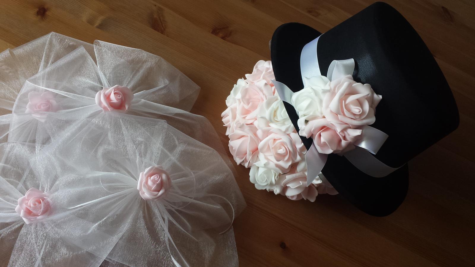 Cylindr na svatební auto - růžová a bílá - Obrázek č. 1