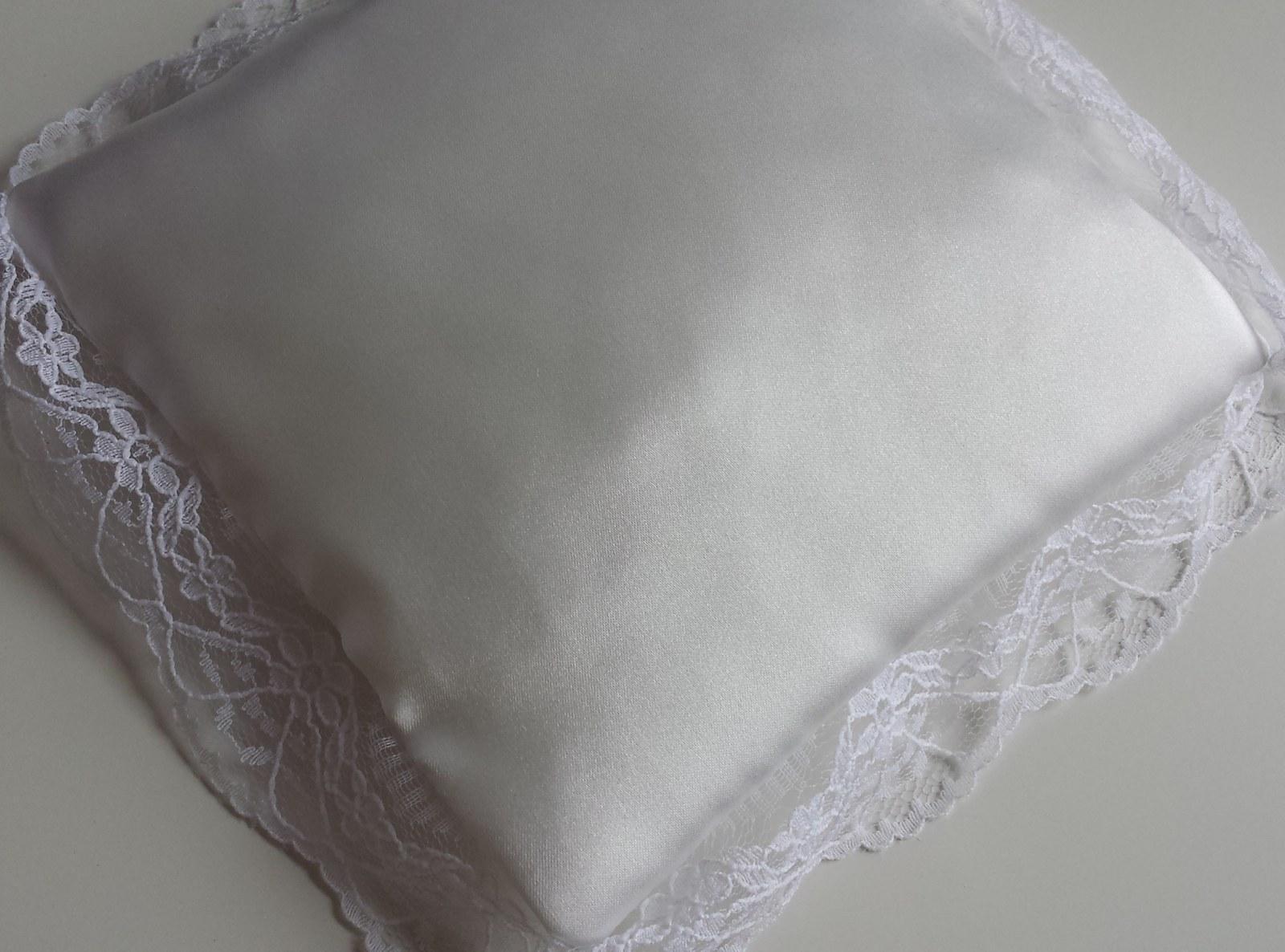 IVORY krajkový polštářek pod prstýnky POSLEDNí KUS - Obrázek č. 1