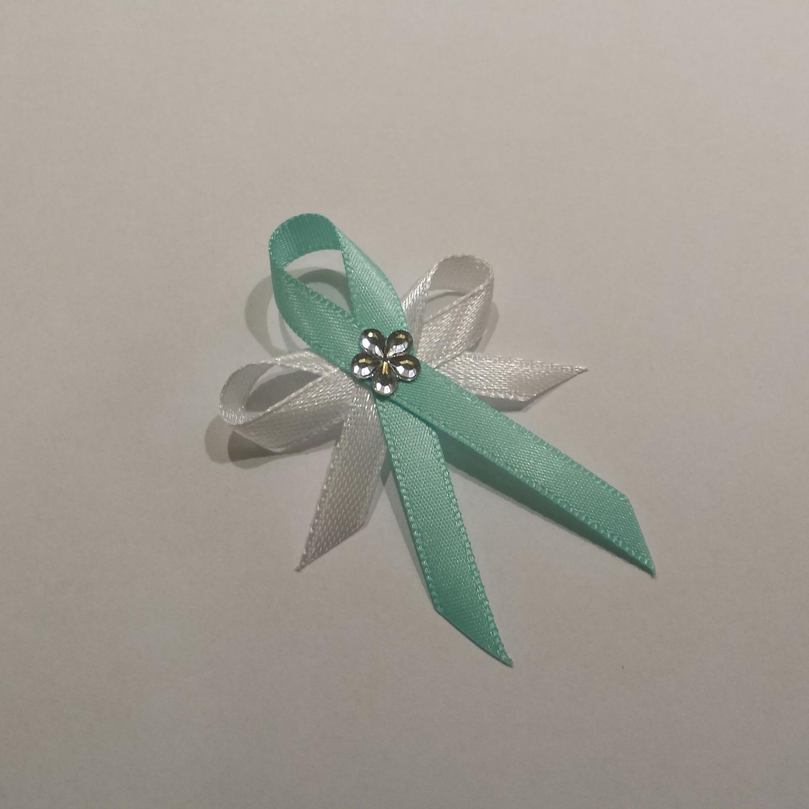 Tiffany blue vývazky s květinkou - Obrázek č. 1
