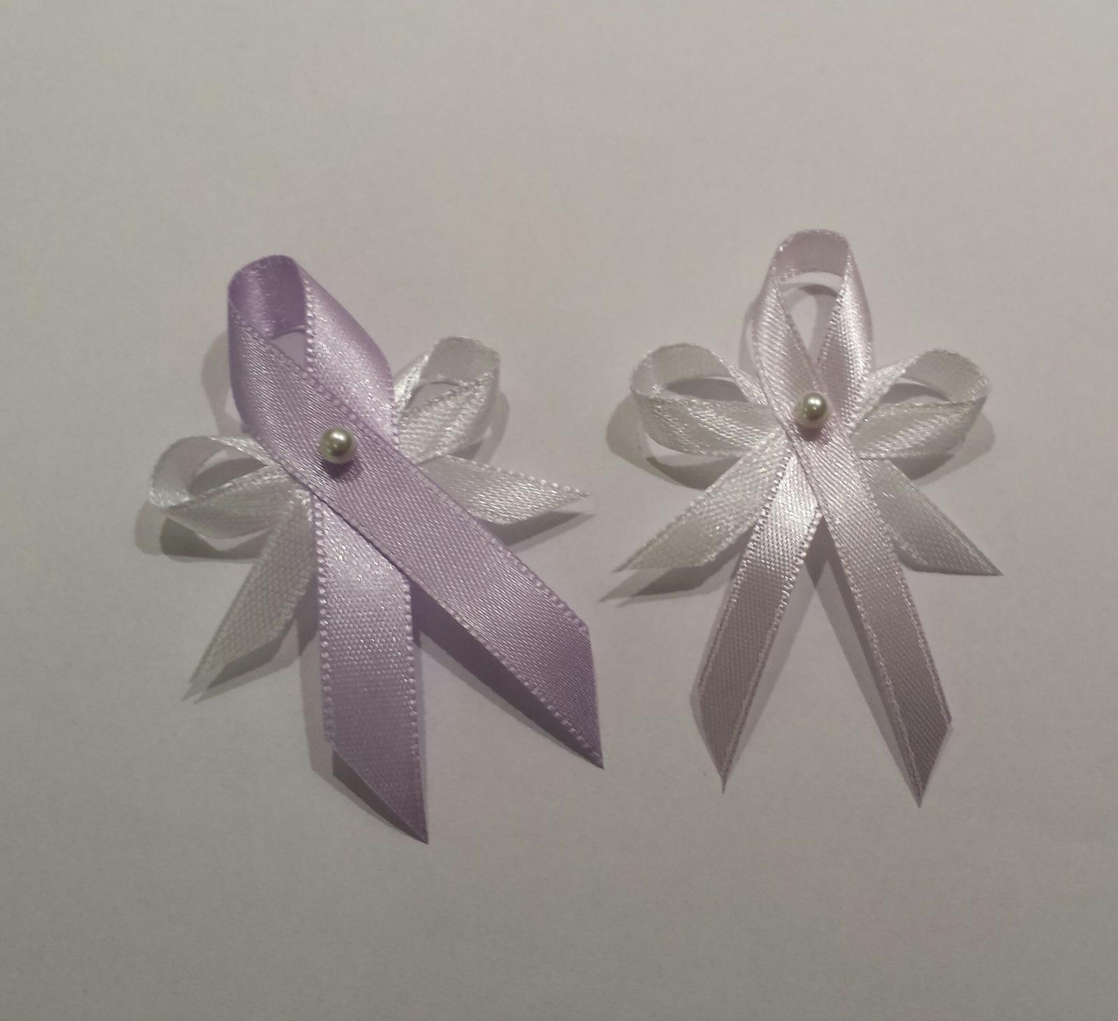 Lila vývazky s perličkou - širší stuha - Obrázek č. 1