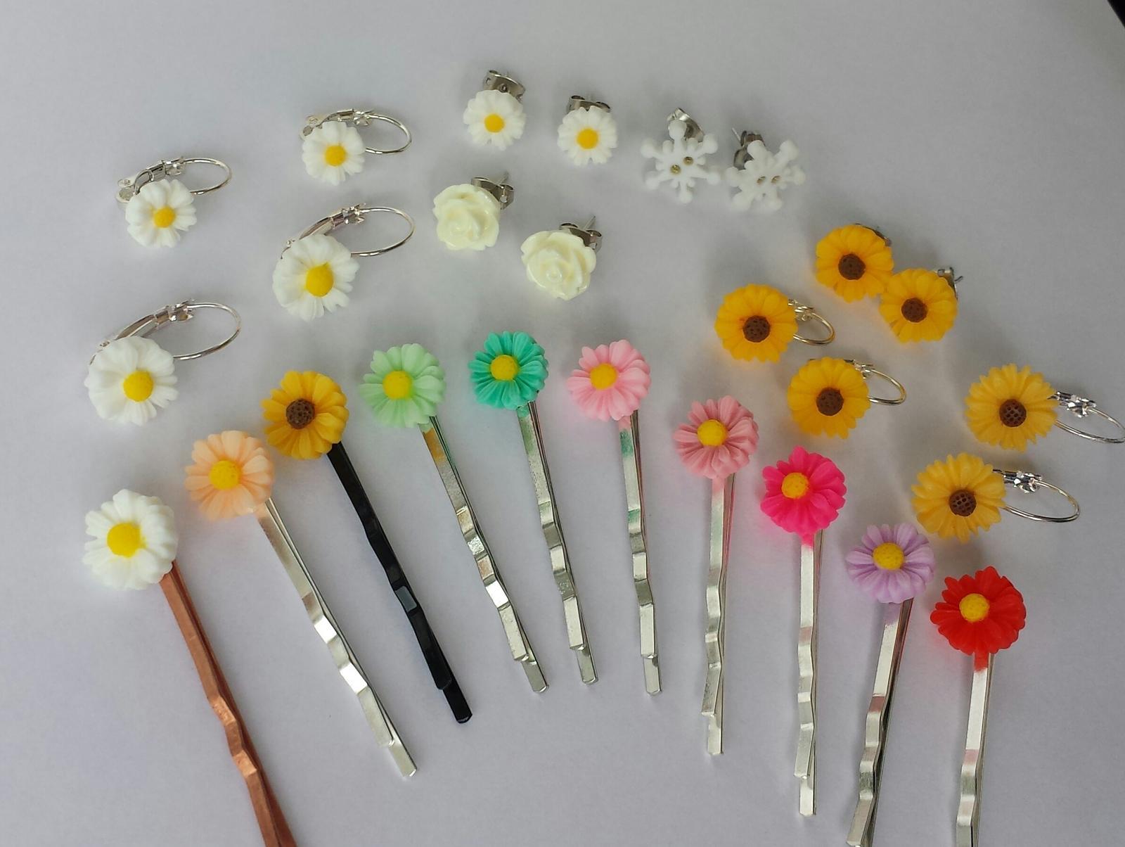 Vlásenka s květinkou - barva dle přání - Obrázek č. 1