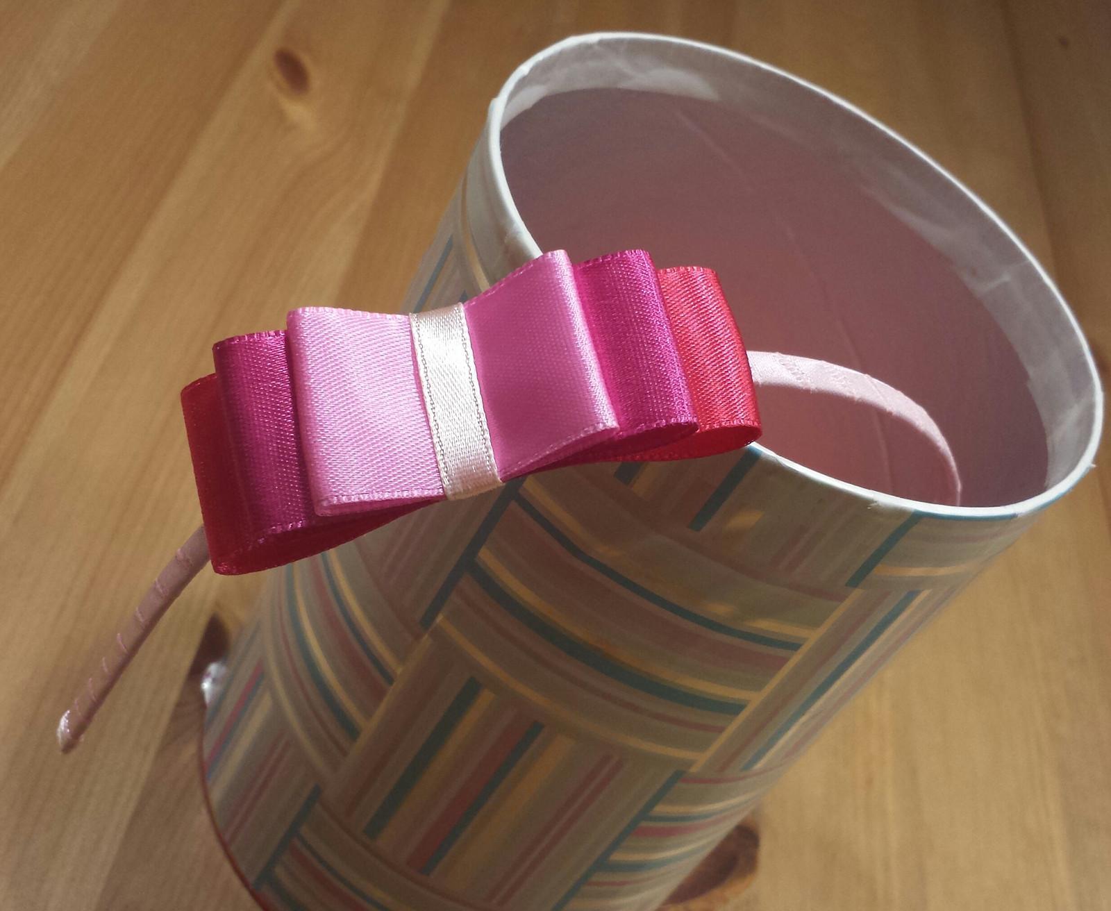 Růžová mašličková čelenka pro družičku - výprodej - Obrázek č. 1