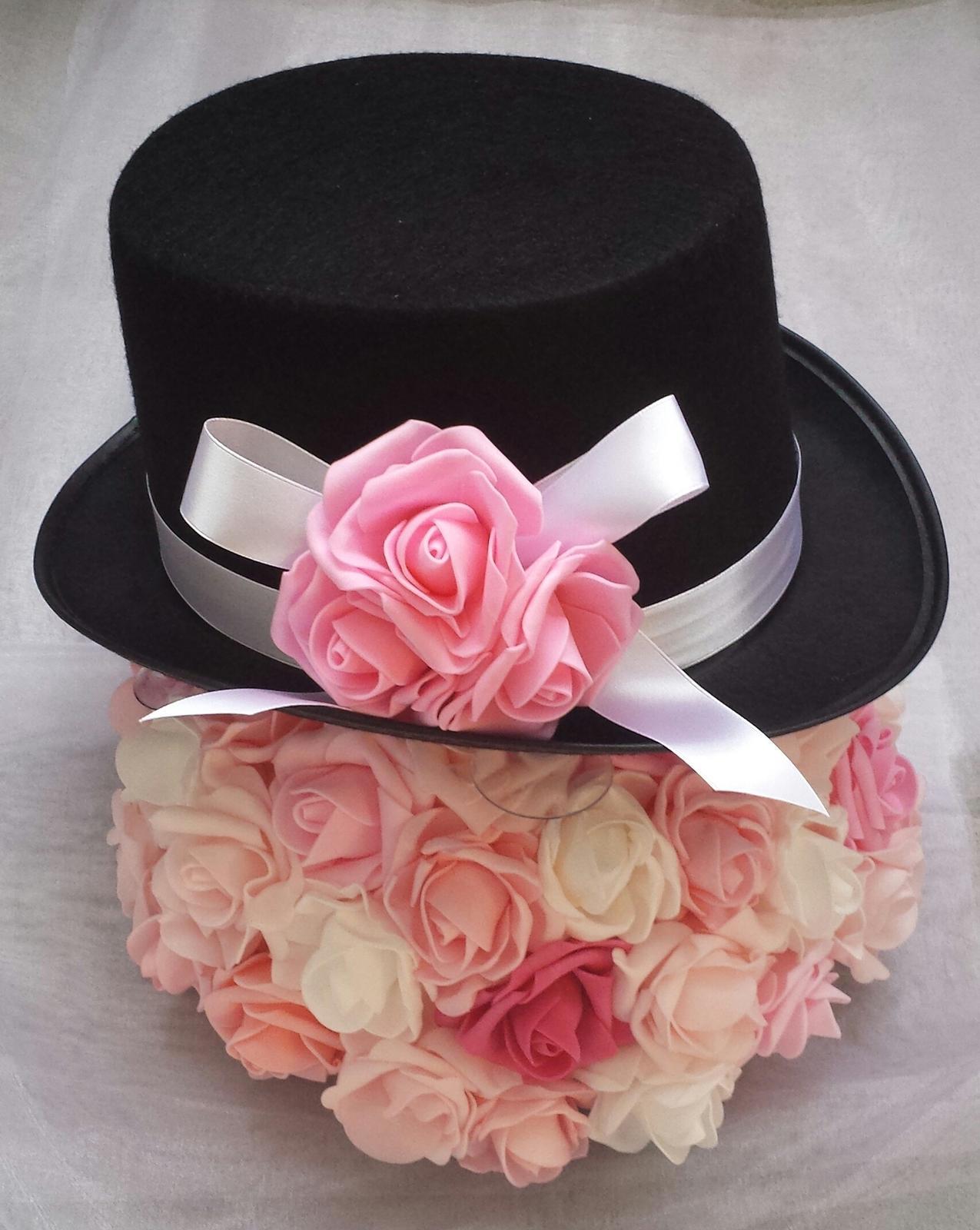 Cylindr na svatební auto- růžová a bílá  - Obrázek č. 1