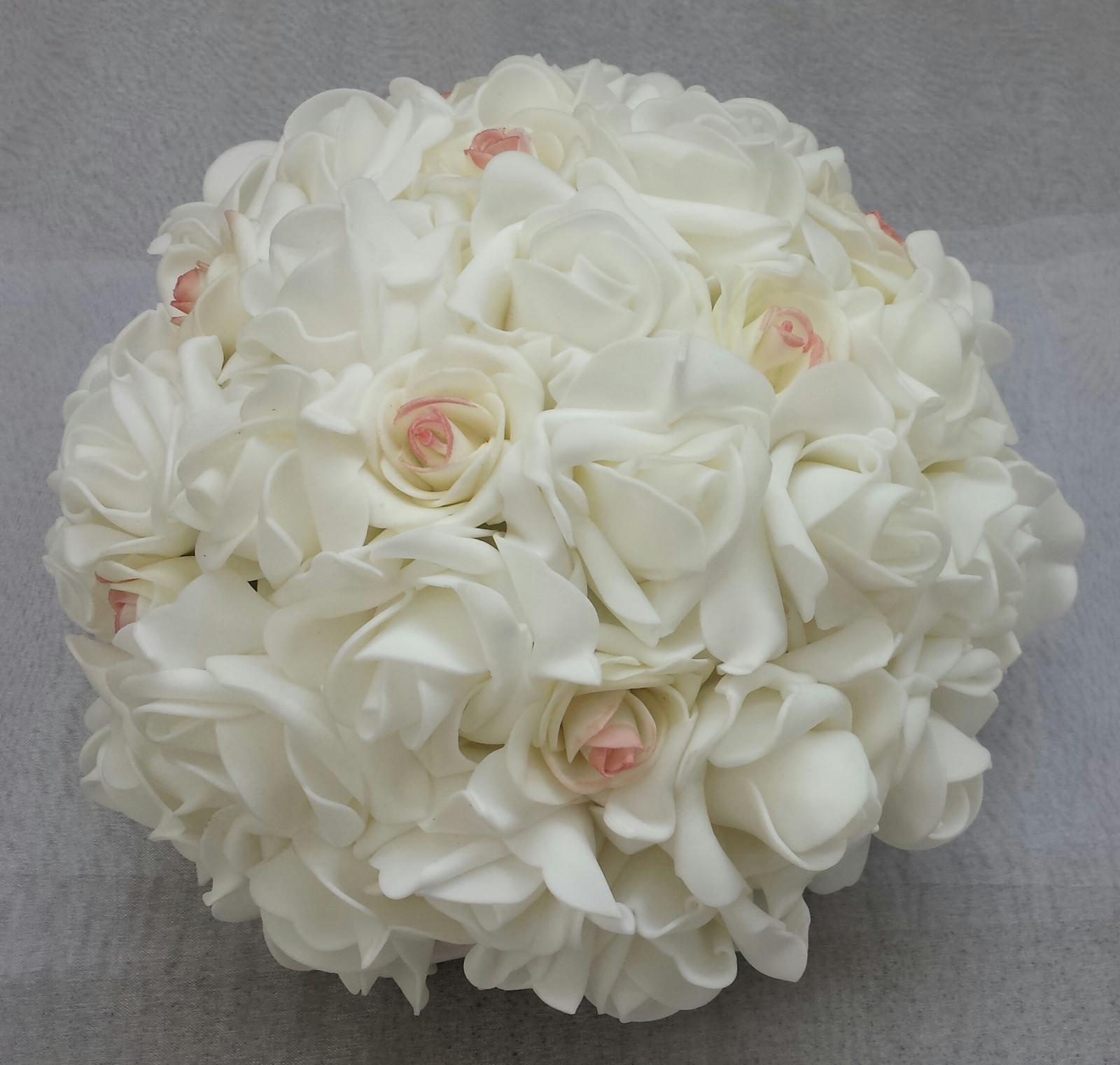 Buket na svatební auto nádech růžové - Obrázek č. 1