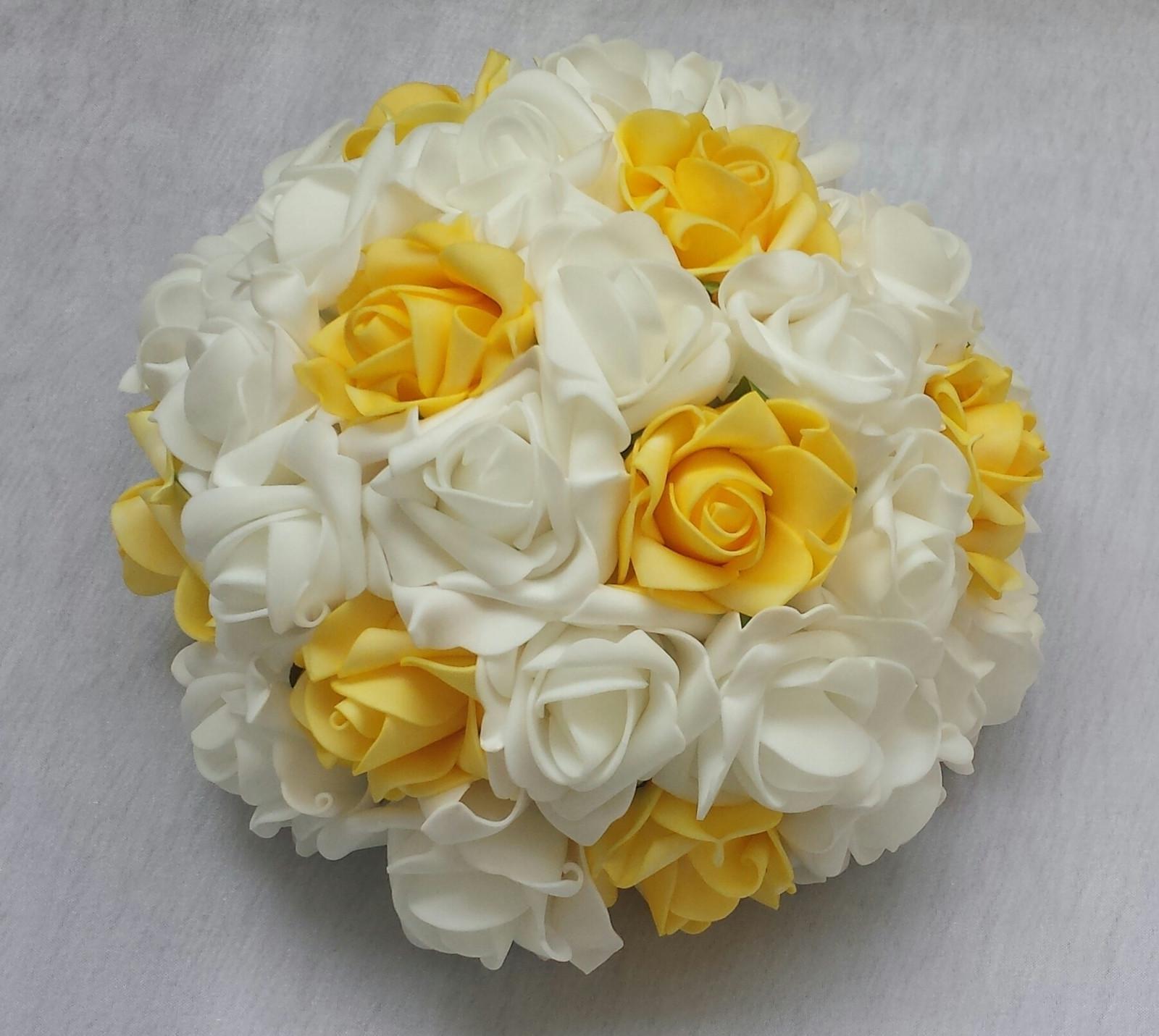 Buket na svatební auto bílá a žlutá - Obrázek č. 1