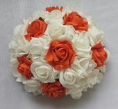 Buket na svatební auto bílá a oranžová,