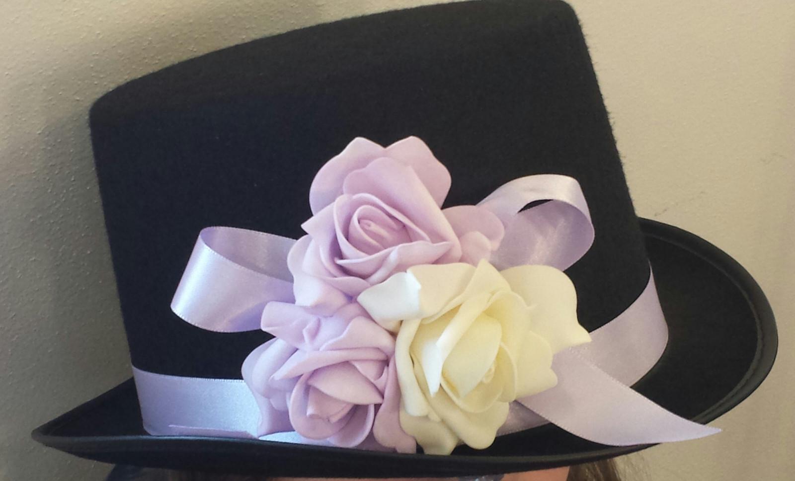 Cylindr na svatební auto lila a ivory - Obrázek č. 1