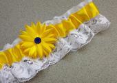 Krajkový bíložlutý SW podvazek se slunečnicí, 40