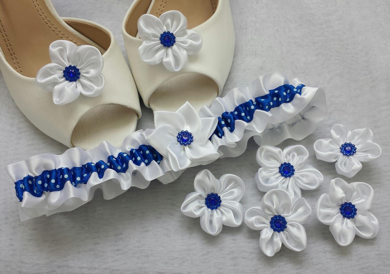 Puntíkatý kanzashi podvazek - bílá/tmavě modrá - Obrázek č. 1